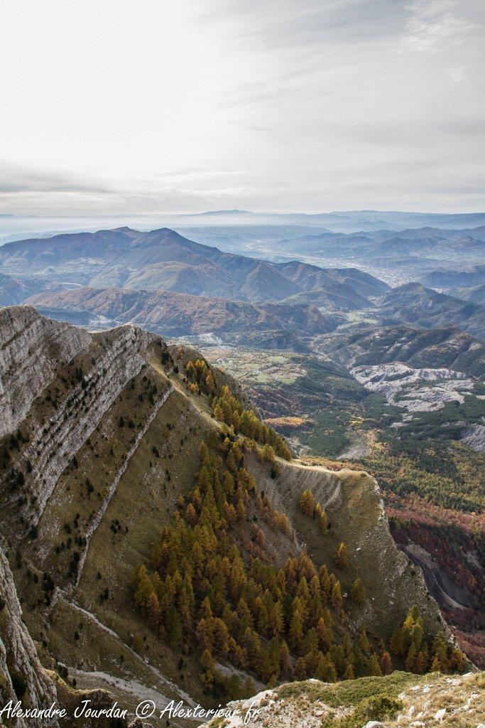 Vallée de Digne depuis le sommet du Couard (1989 m)