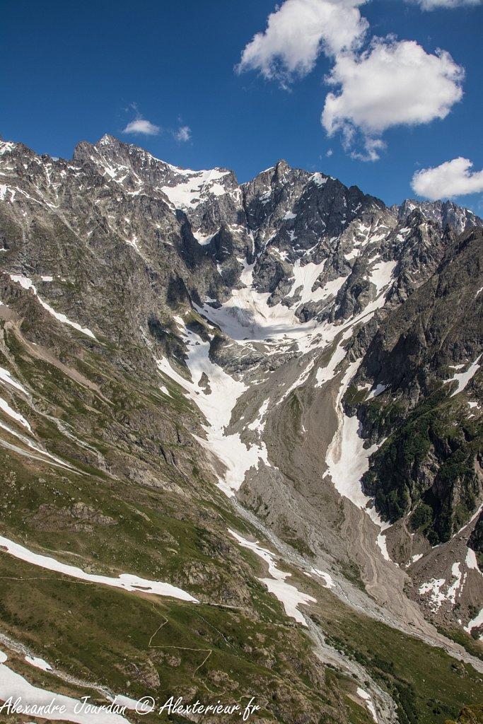 Les Bans (3669 m) au dessus du Ravin de la Condamine