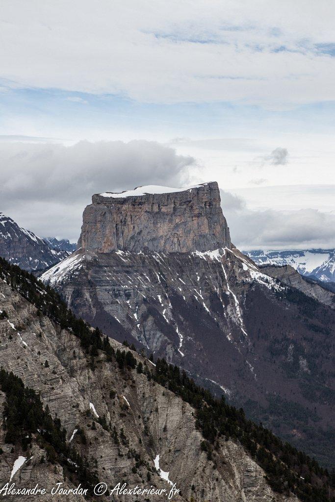 Mont Aiguille (2087 m) depuis le Pas de l'Essaure