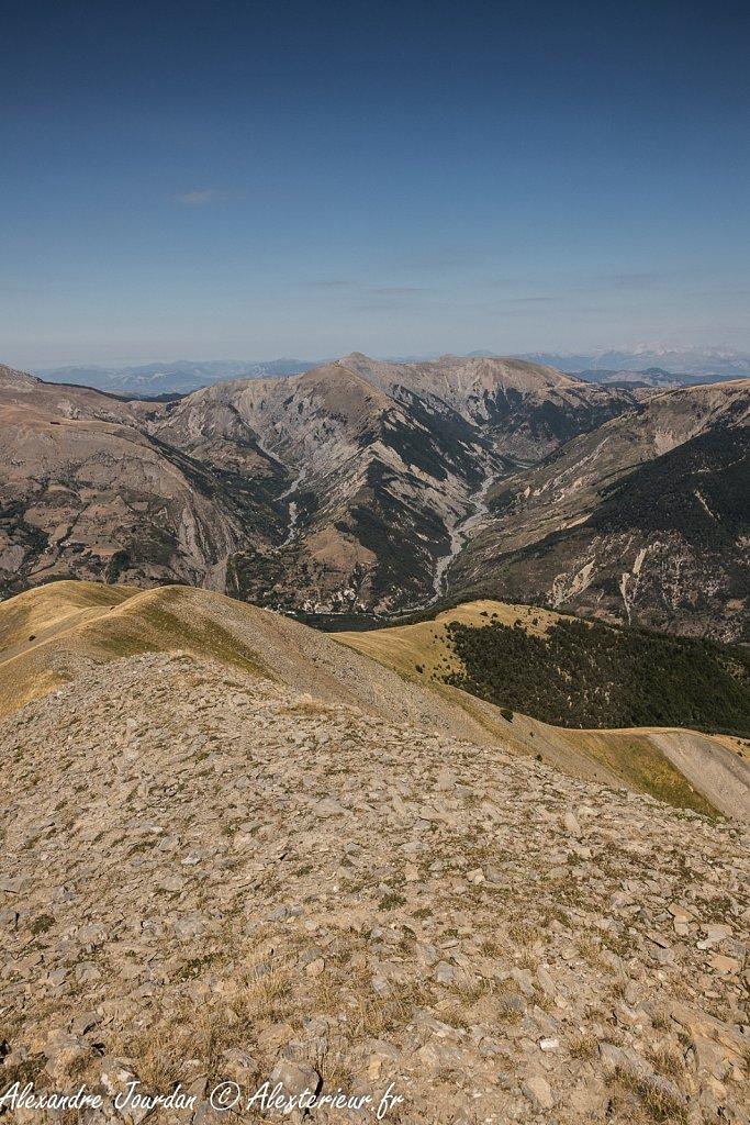 Vue en direction des Monges depuis le sommet du Blayeul (2189 m)