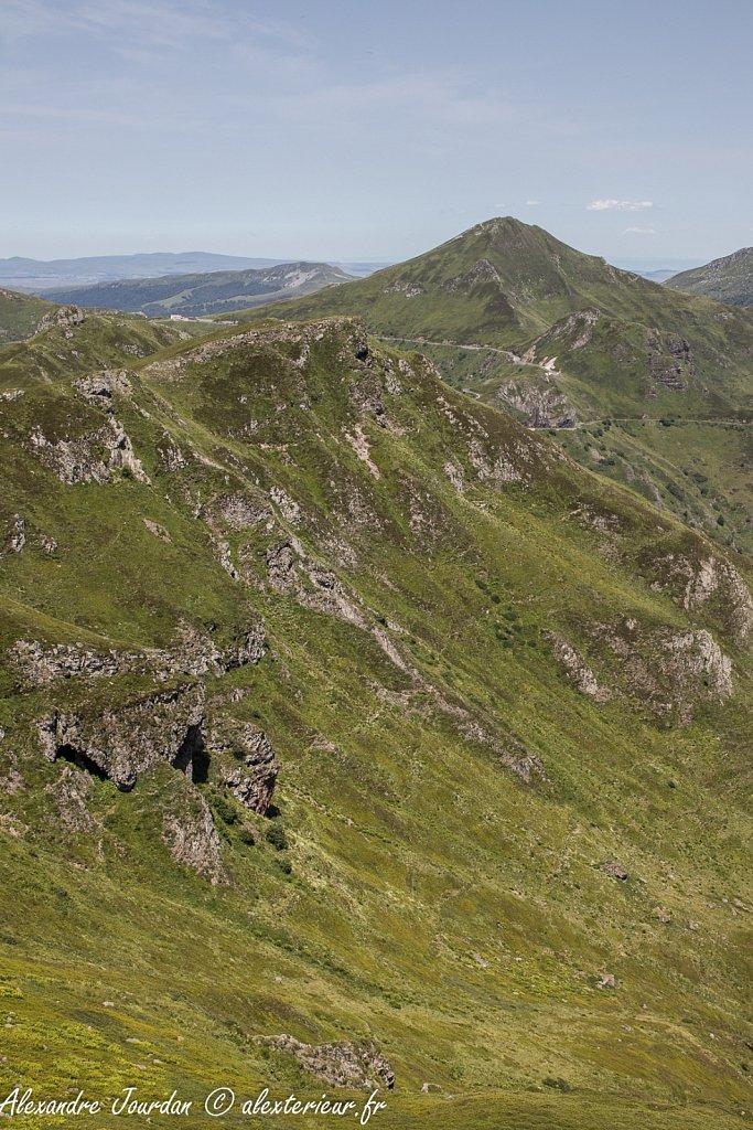 Puy Mary (1783 m) depuis le Puy Chavaroche (1736 m)