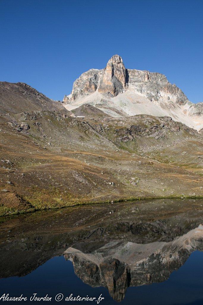 Le Lac Rond et le Cheval Blanc (3020 m)